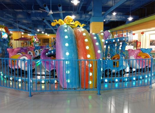 Amusement park play equipment